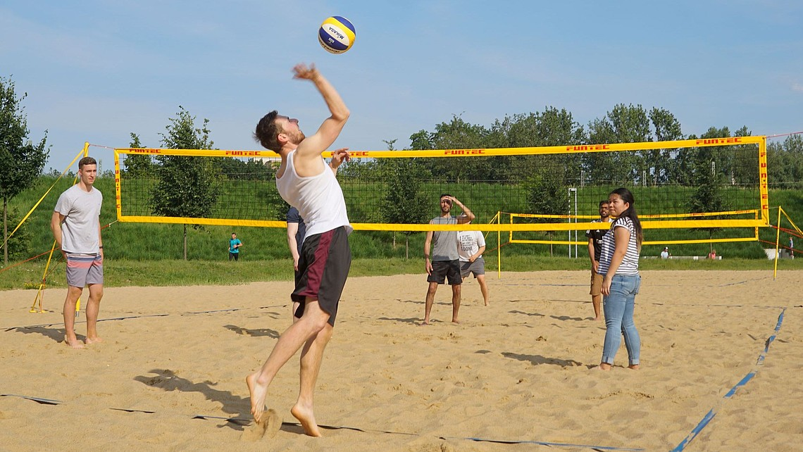 weBuddy beach volleyball